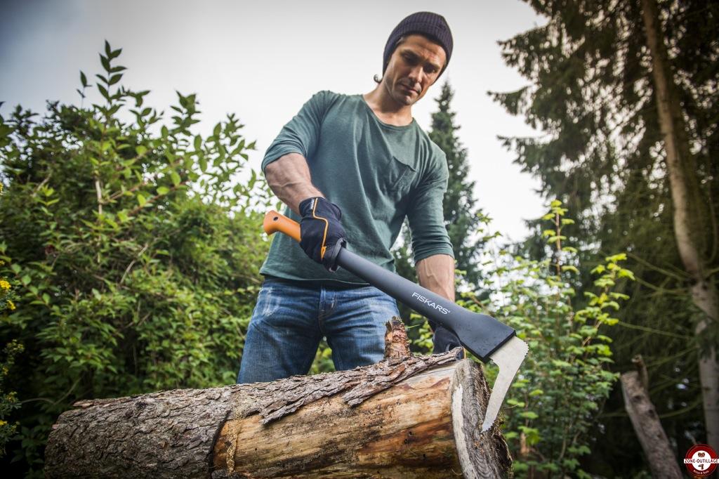 Nouvelle gamme d 39 outils de b cheronnage fiskars woodxpert zone outillage - Outils de jardin fiskars ...