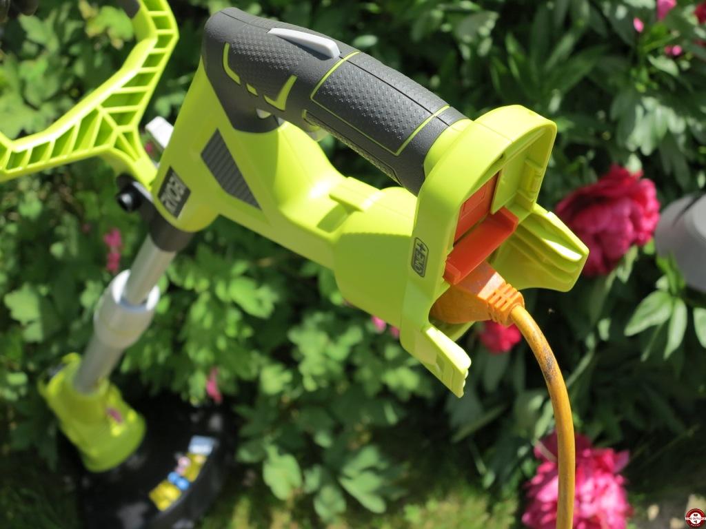 Test du coupe bordures dresse bordures hybride 18 v for Outillage de jardin
