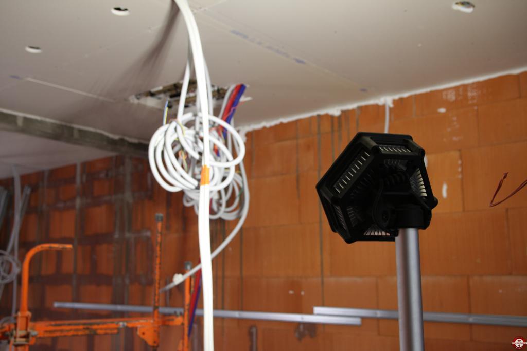 Projecteur de chantier M18 SAL-502B Trueview Milwaukee © Benjamin Leharivel - Zone Outillage