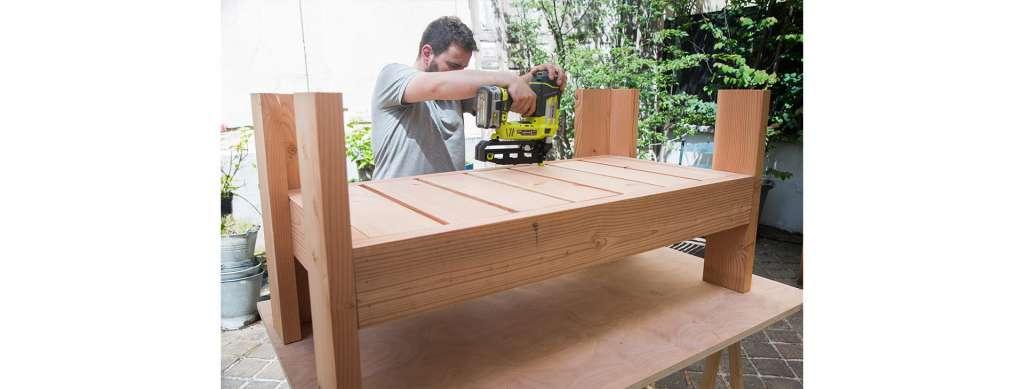 diy fabriquer un canap de jardin zone outillage. Black Bedroom Furniture Sets. Home Design Ideas