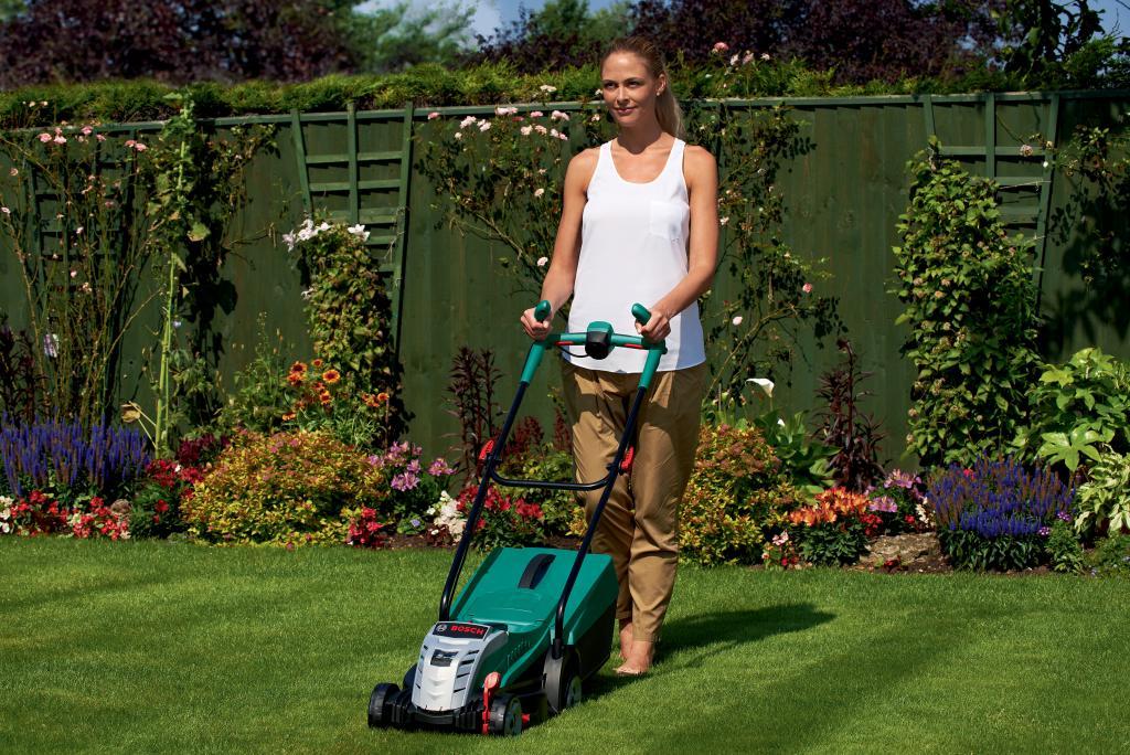 bosch lance les 4 indispensables pour jardiner au f minin zone outillage. Black Bedroom Furniture Sets. Home Design Ideas