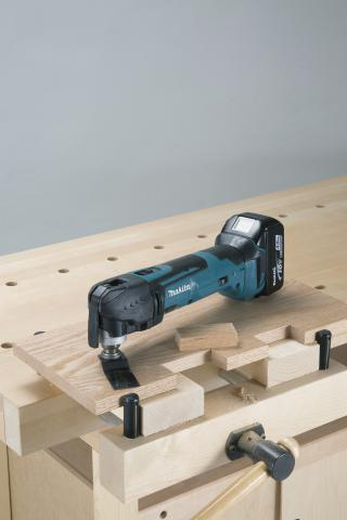 Multitool Makita DTM51RFJX3