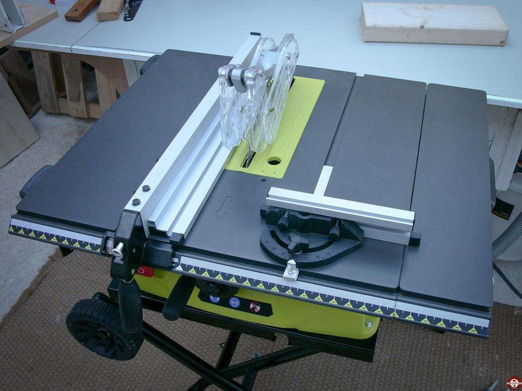 test de la scie sur table filaire ryobi rts 1800 ef zone outillage. Black Bedroom Furniture Sets. Home Design Ideas