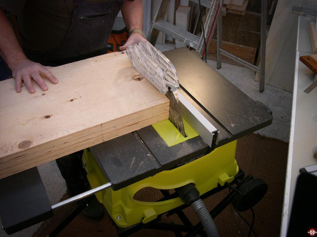 Test de la scie sur table filaire ryobi rts 1800 ef zone outillage - Coupe carrelage electrique professionnel ...