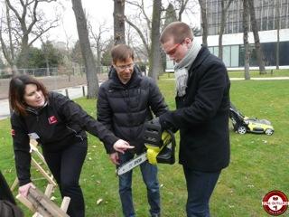 Nouveaut s ryobi 2013 zone outillage for Cherche jardin a entretenir