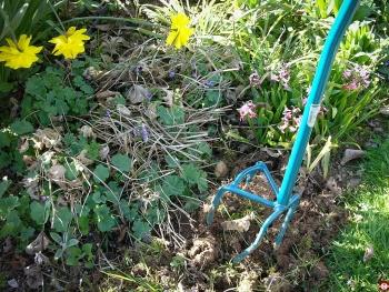 Test de la rotogrif fiskars leborgne pour a rer le sol for Outillage de jardin fiskars