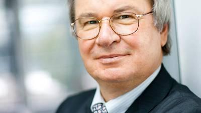 Professeur Klaus Fischer