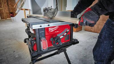 M18 FUEL FTS210 ONE-KEY : la nouvelle scie sur table sans fil connectée de Milwaukee
