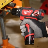 Perceuse-visseuse à percussion Milwaukee M12 BPD-202C