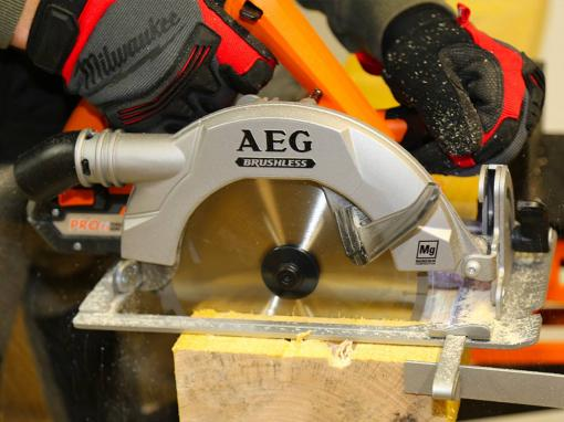 Scie circulaire AEG BKS18BL Brushless