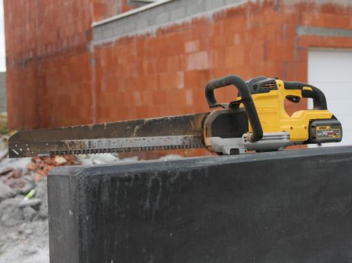 Scie alligator DEWALT 54V XR FLEXVOLT DCS398 © Benjamin LEHARIVEL - Zone Outillage