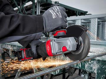 Test et avis de la meuleuse sur batterie M18 FHSAG125XPDB Milwaukee