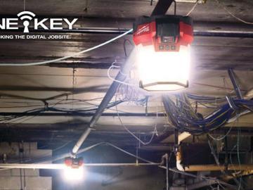 Test et avis des projecteurs de chantiers Milwaukee M18 SLSP et M18 ONESLSP ONE-KEY