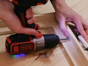 BLACK+DECKER Fabriquer un plateau à partir d'un cadre en bois
