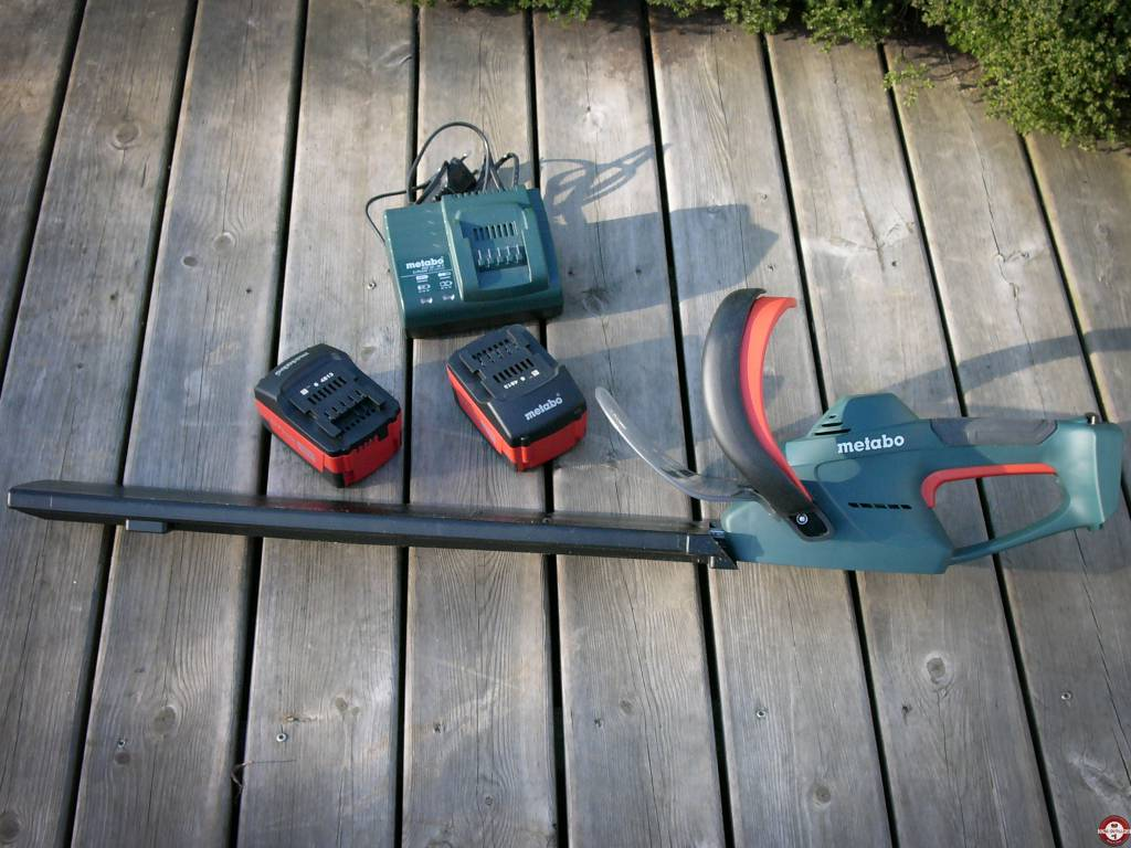 Test complet du taille haies sur batterie metabo ahs 36 v - Taille haie a batterie ...