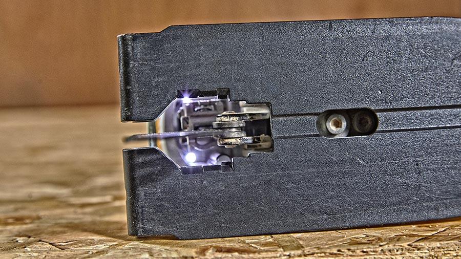 DEWALT dévoile ses nouvelles scies sauteuses sur batterie DCS334 et DCS335