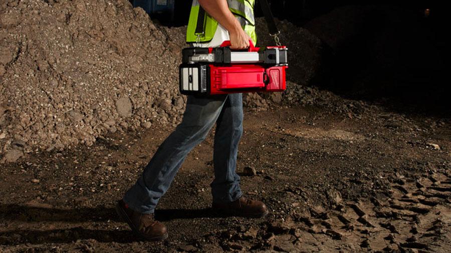 Éclairage de chantier sur trépied sans fil Milwaukee ONE-KEY M18 ONERSAL