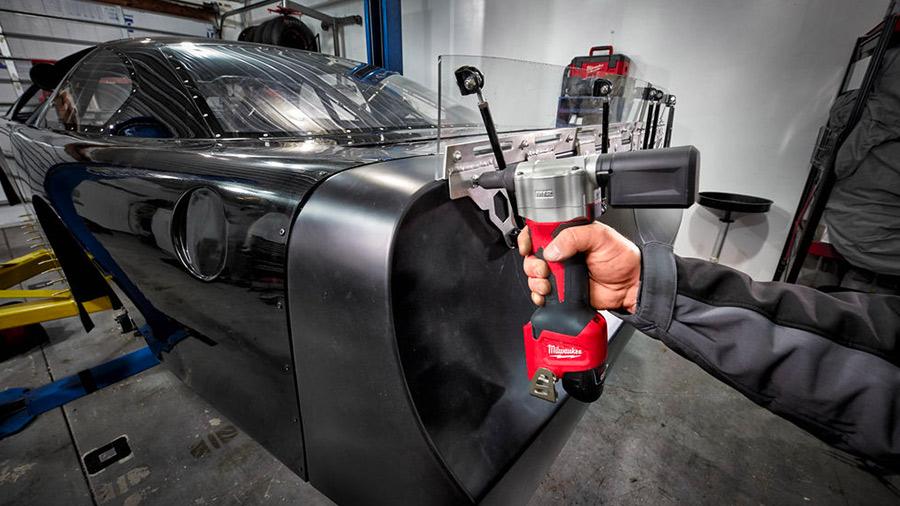 M12 BPRT : Milwaukee dévoile sa première riveteuse sur batterie 12 V
