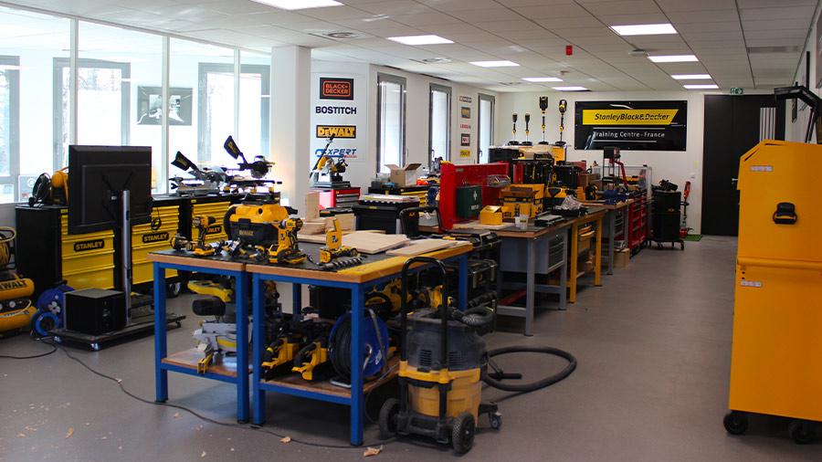 DEWALT inaugure son centre de formation certifié à Dardilly