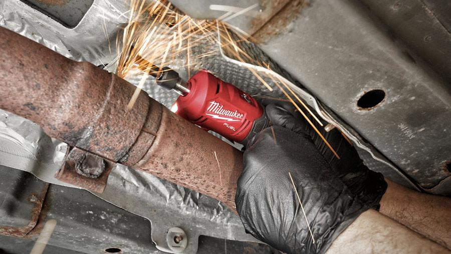 Meuleuse droite compacte sur batterie M12 FDGS-422B Milwaukee