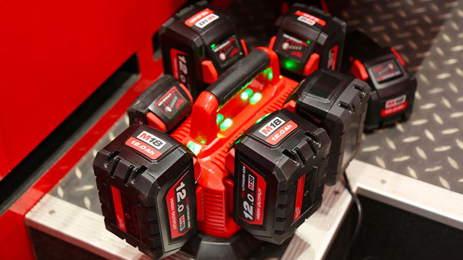 Nouvelles batteries Milwaukee M18 HIGH OUTPUT