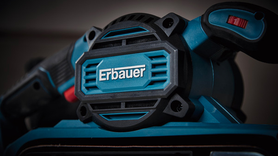 Ponceuse à bande Erbauer EBS950 950W