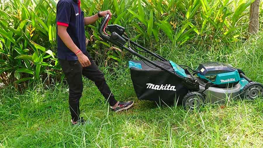 tondeuse à gazon 36 V auto-tractée DLM462PT4 Makita