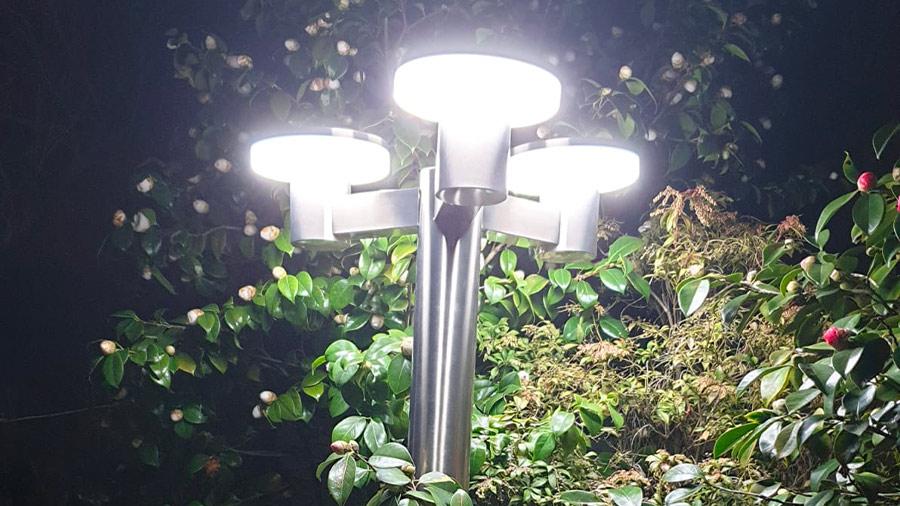 Lampadaire solaire à télecommande Timeo PRLUMSOL4/200 Ribimex