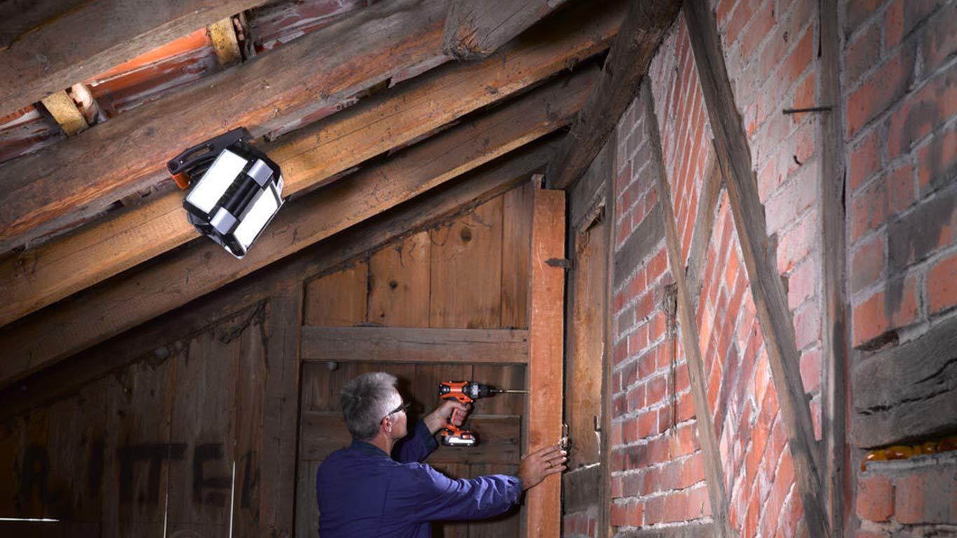 Système d'éclairage sans fil AEG BPL18