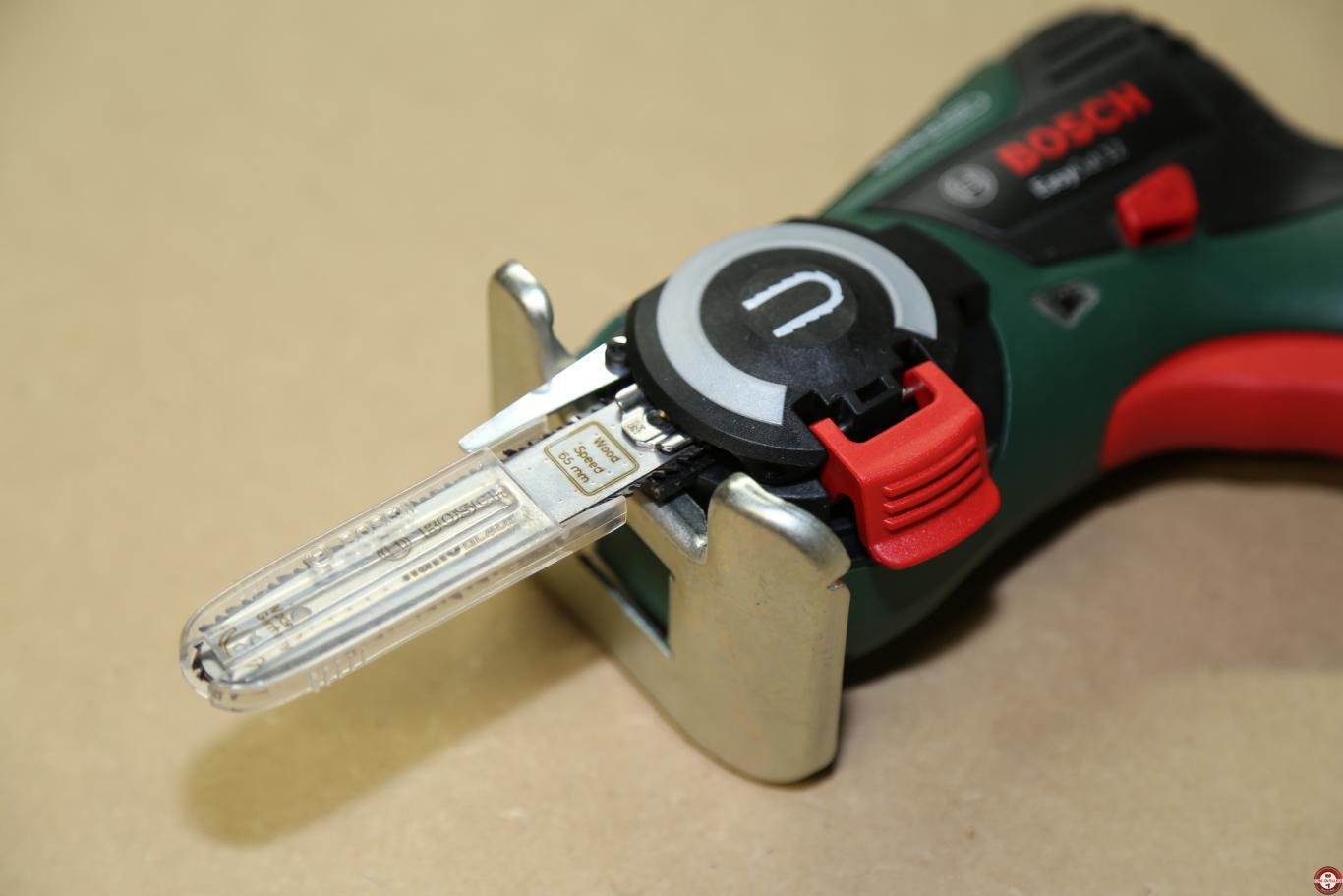 test de la scie sans fil easycut 12 à lame nanoblade bosch - zone