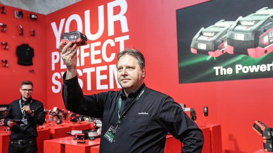 500 distributeurs ont découvert les nouvelles batteries LiHD 8,0 Ah de Metabo