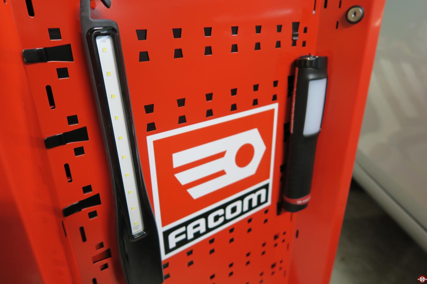Lampe d'inspection Slim LED FACOM 779.SILR © Benjamin Leharivel - Zone Outillage