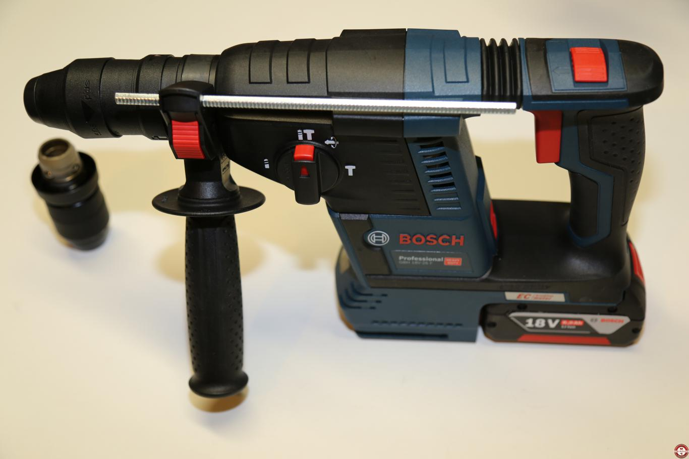 Perforateur SDS-Plus Bosch GBH 18V-26F Professional © Benjamin Leharivel - Zone outillage