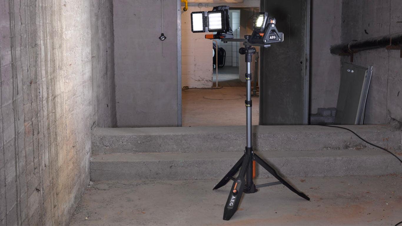 aeg lance un programme complet d clairage de chantier sur batterie 18 v zone outillage. Black Bedroom Furniture Sets. Home Design Ideas