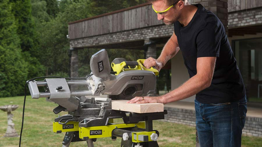 nouveaux outils stationnaires ryobi ems305rg et rbds4601g pour le travail du bois zone outillage. Black Bedroom Furniture Sets. Home Design Ideas