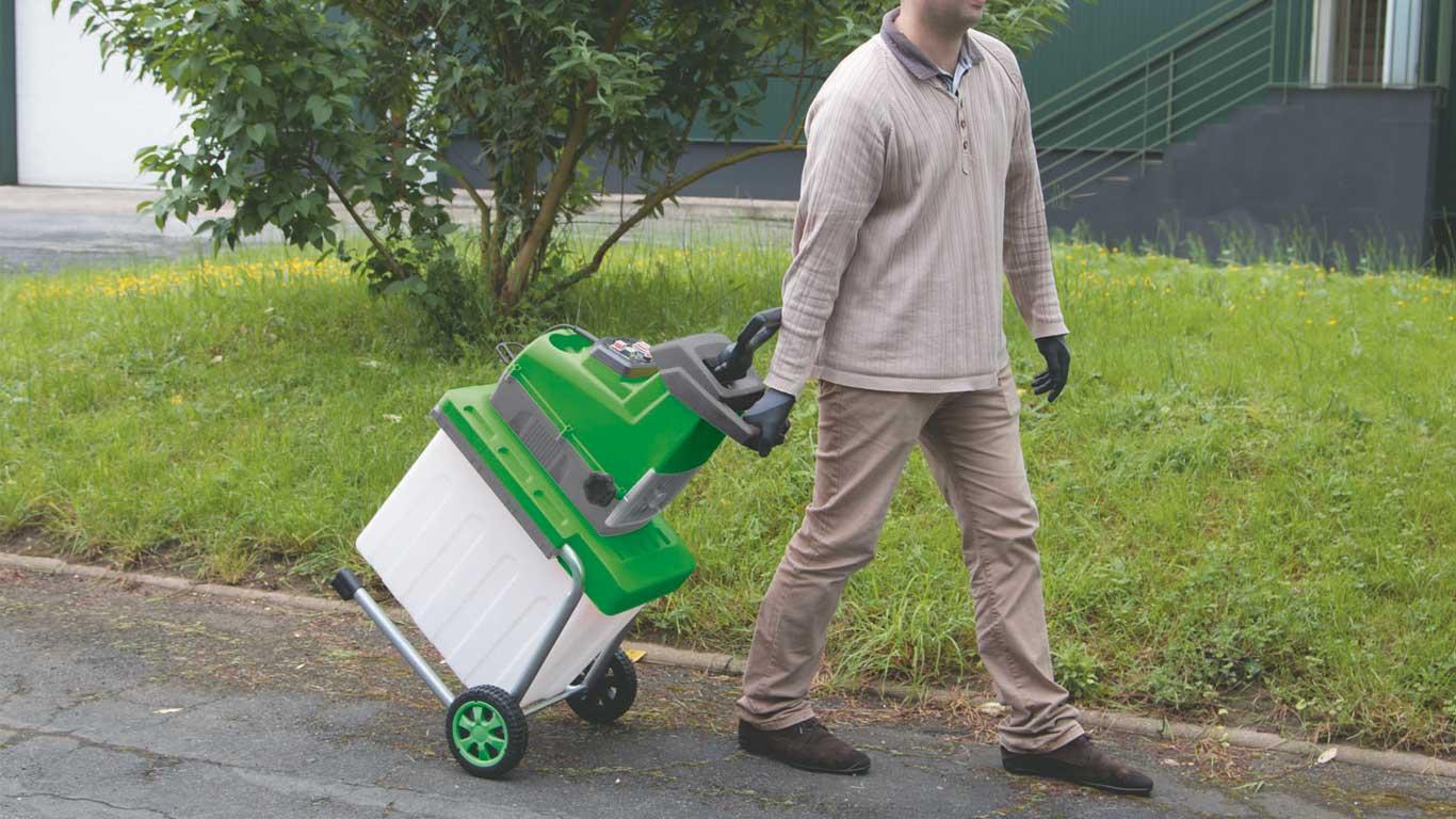 Ribiland pr sente 3 nouveaux outils pour l 39 entretien du for Recherche personne pour entretien jardin